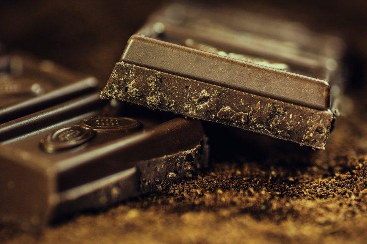 dark chocolate lessens chronic pain